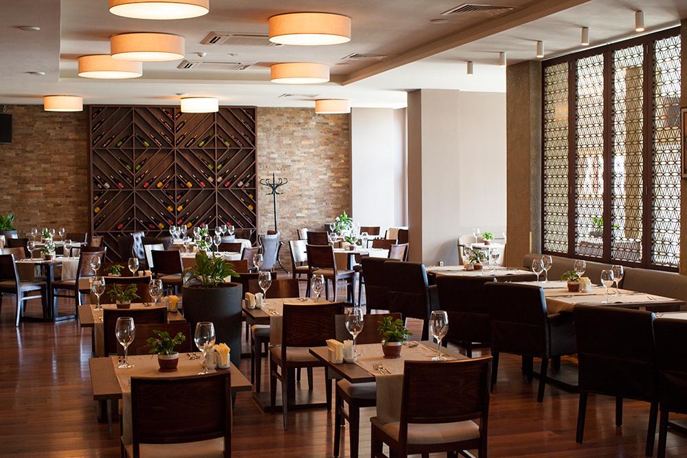 Restaurant at Belchin Garden Spa Hotel