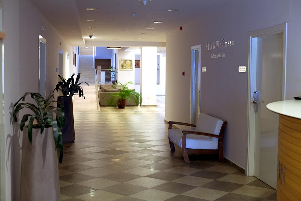 Hallway at Belchin Garden Spa Hotel